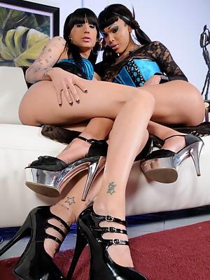 Naughty t-girls Adriana & Kelly get down & dirty